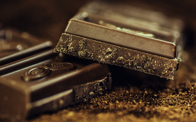 チョコを食べるとニキビができるは都市伝説