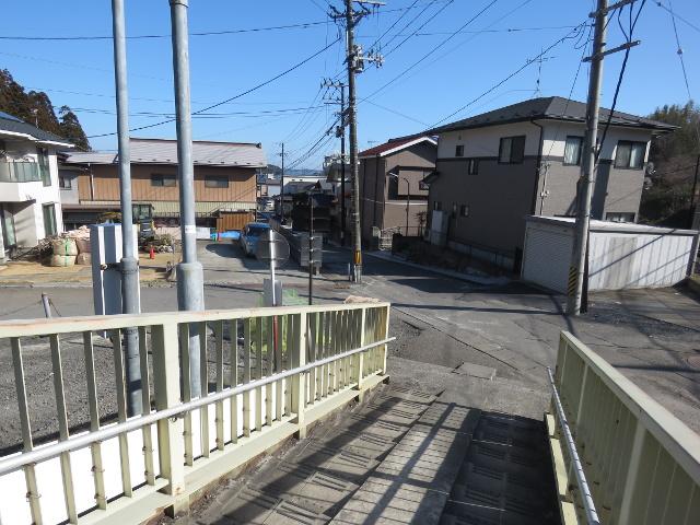 無料駐車場から松島へ向かう6