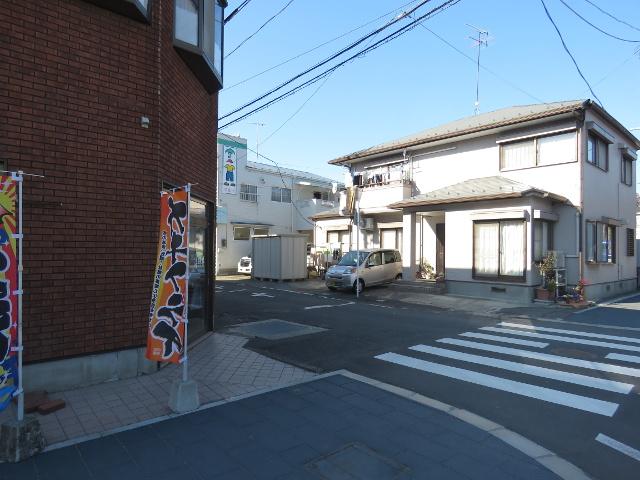 無料駐車場から松島へ向かう8