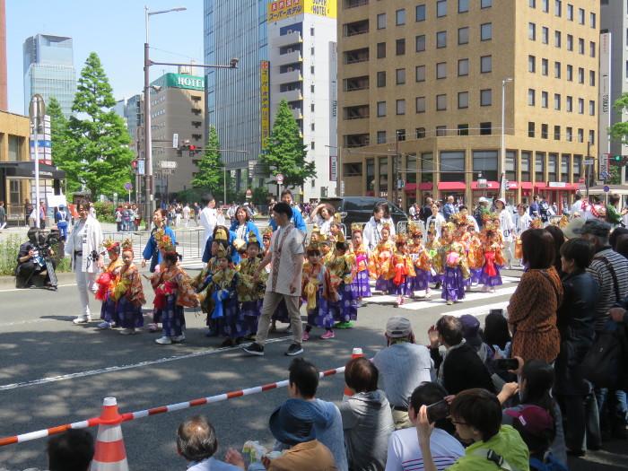 青葉神社神輿渡御02