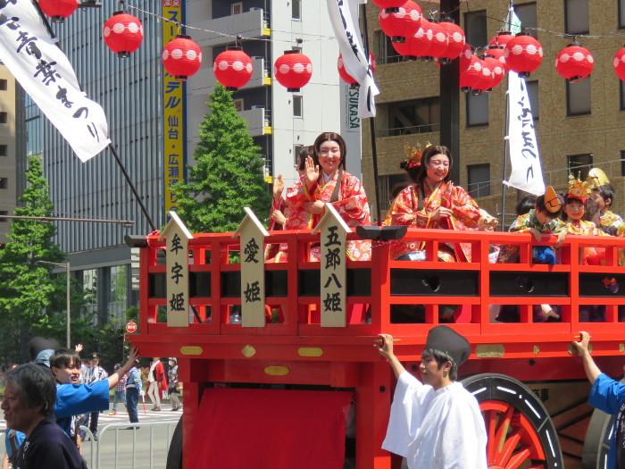 青葉神社神輿渡御03