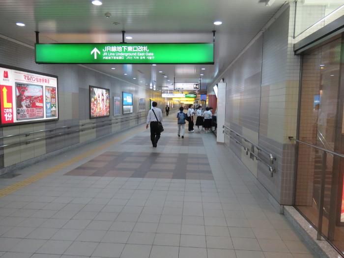 仙台駅2階から地下道→シャトルバス乗場へ8