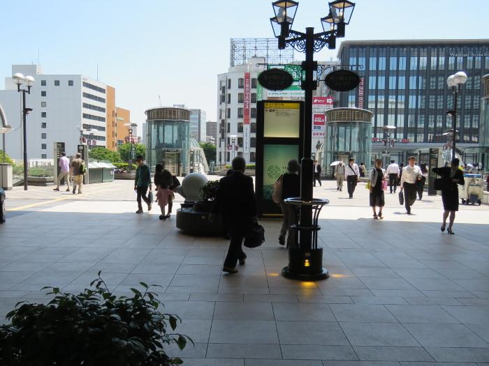 仙台駅2階からシャトルバス乗場へ3