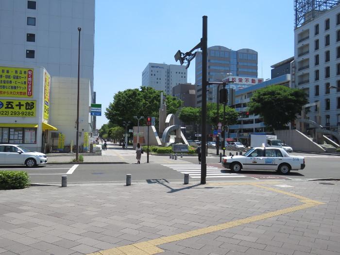 仙台駅2階からシャトルバス乗場へ10